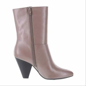 Christian Siriano Taupe heels booties Size 10